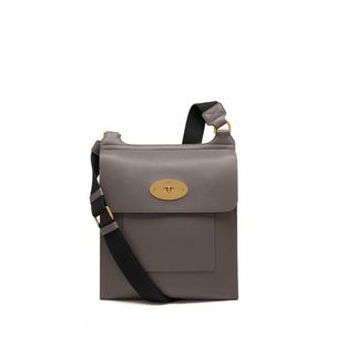 antony-messenger-dark-grey-small-classic-grain