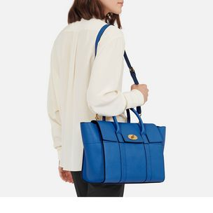 bayswater-with-strap-porcelain-blue-small-classic-grain