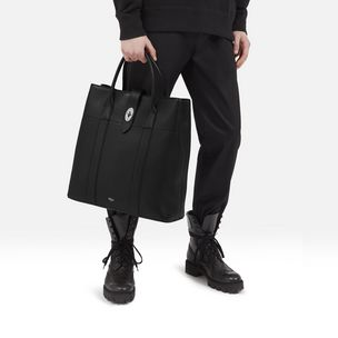 reston-tote-black-calfskin