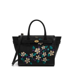 small-zipped-bayswater-black-flower-embroidery-small-classic-grain