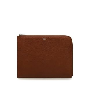 tech-pouch-oak-natural-grain-leather