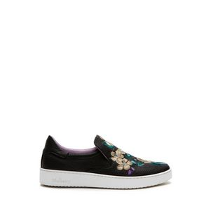 slip-on-sneaker-black-flower-embroidery-small-classic-grain