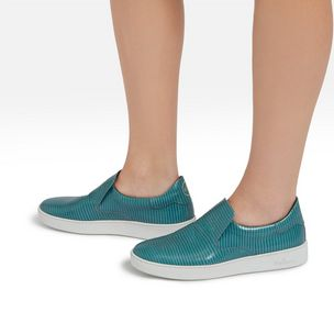jump-quilted-slip-on-frozen-embossed-lizard