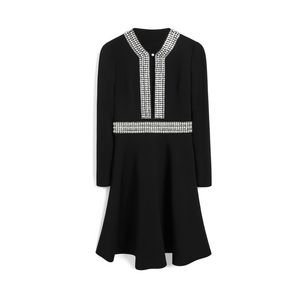embroidered-lilan-dress-black-heavy-crepe-embroidery