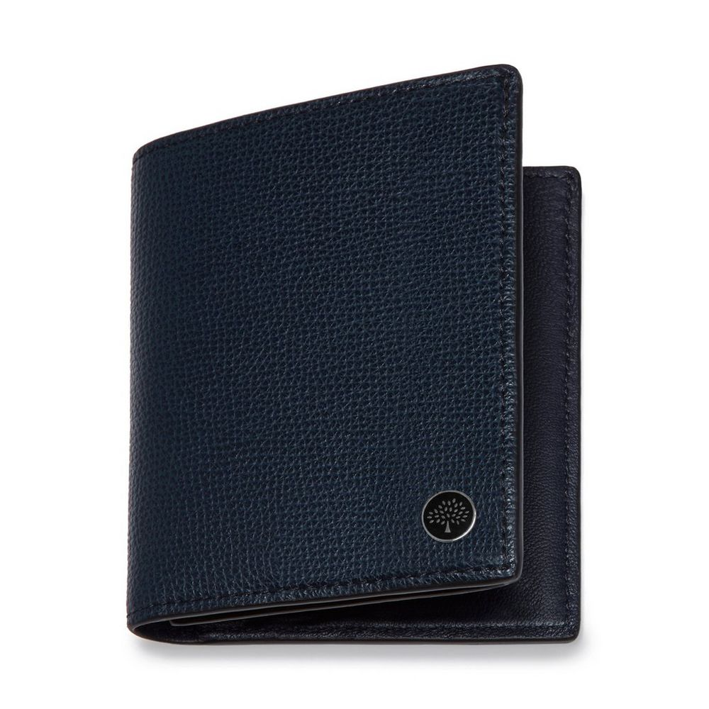 trifold-wallet-with-tree-plaque
