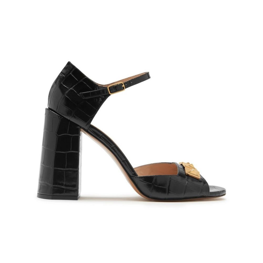 poppy-pyramid-stud-sandal